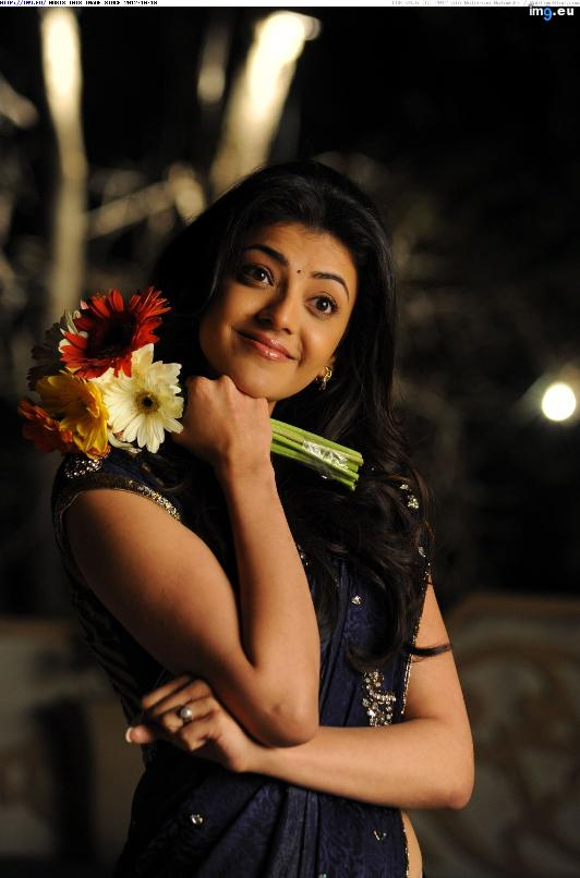 kajal-agarwal-hot-saree-still-007