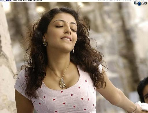 kajal agarwal in magadheera movie hot deeep cleavage show hq picz sabhotcom (3)