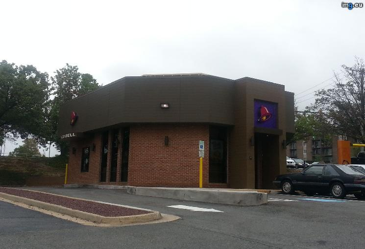 [Mildlyinteresting] This Taco Bell used to be a bank