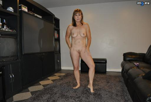 naked-housewife-021414 (91)